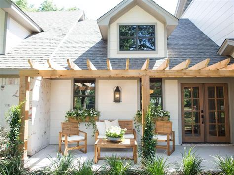 joanna gaines home 17 best images about all things magnolia homes fixer upper