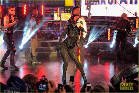 new year performances nyc january gaga brings in the new year 2012