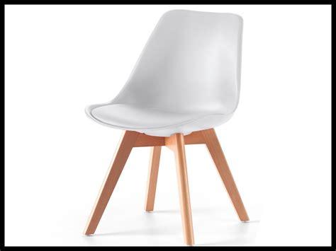 Attrayant Table Bois Chaise Transparente #1: chaise-avec-pied-en-bois-chaise-avec-pied-en-bois-1182-chaise-vintage-blanche-avec-pieds-en-bois-luciano-serinahome.jpg