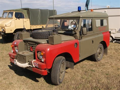 land rover raf file land rover of the raf 2 taf bomb disposal unit pic2