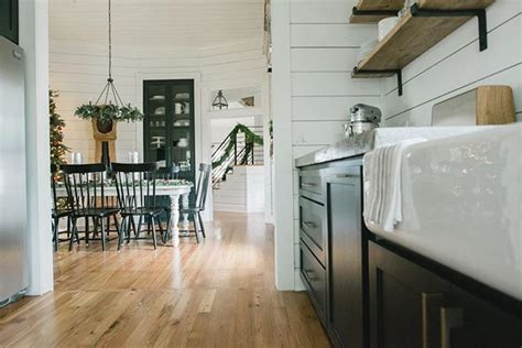 bed breakfast and joanna gaines 185 best chip and joanna gains decorators images on