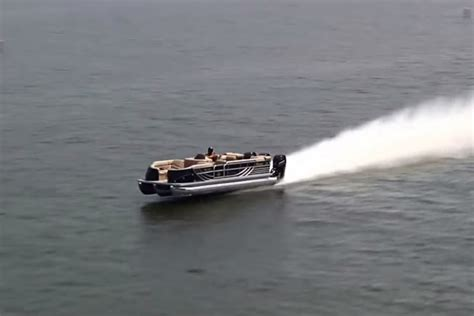 fast pontoon boats youtube video the world s fastest pontoon boat is awesome