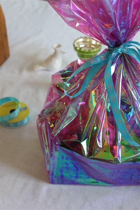 how to wrap gift baskets with cellophane cellophane wrap for baskets images