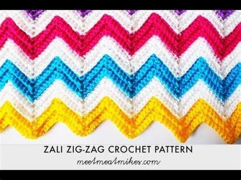 tutorial merajut zigzag zali zig zag crocheted chevron blanket free pattern with