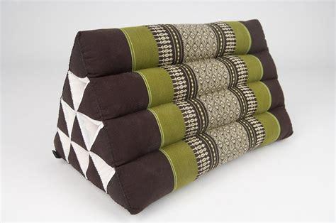 cuscino triangolare 8 suggerimenti per realizzare un divano divino low coast