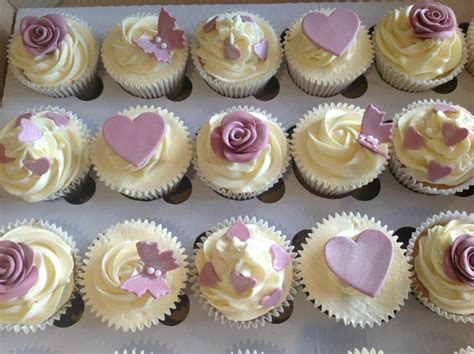 Gallery Of Our Cupcakes And Cakes   Loveacupcake