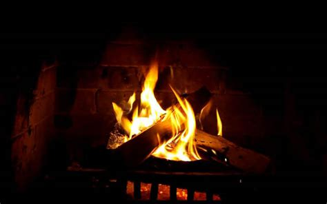How To Start A In Fireplace by Open Fires How To Enjoy A Crackling Blaze Without A Fireplace
