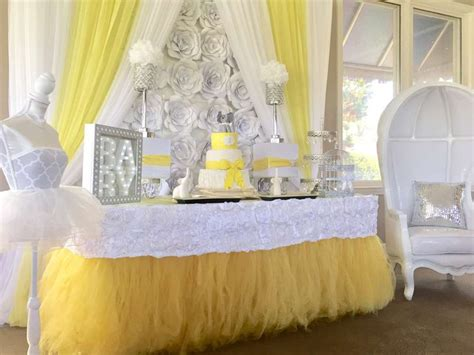 Yellow And White Baby Shower Ideas by 25 Best Ideas About Yellow Baby Showers On