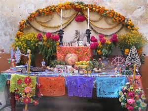 Dia De Los Muertos Decorations Ideas Muertos Altars Alter Ego Mexicana