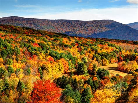 fall hiking trails    conde nast