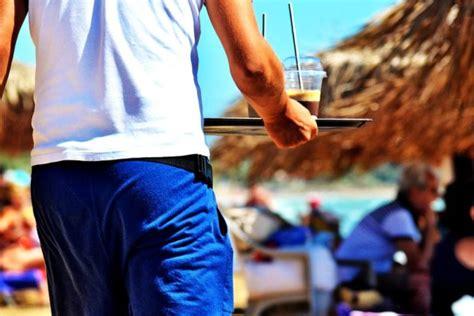 cameriere cercasi cercasi cameriere a malaga vivere nella costa sol