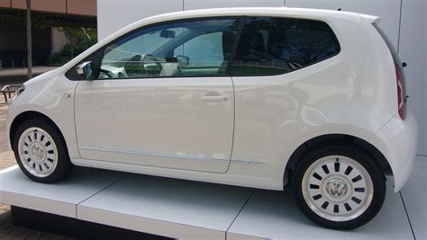 volkswagen up white archivo volkswagen up white rear quarter jpg