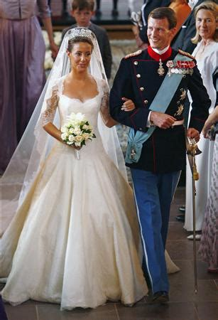 royal wedding gowns   budget