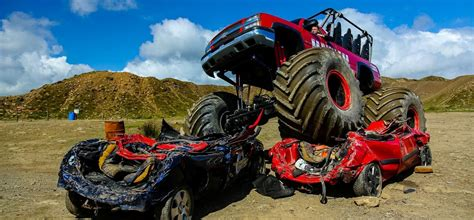 videos de monster truck 4x4 extreme monster truck 4x4 ride experience experience days