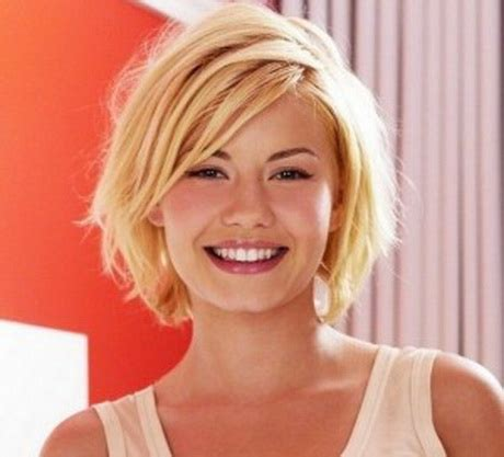 haircuts for medium length hair sort around short to medium hairstyles for women long hairstyles