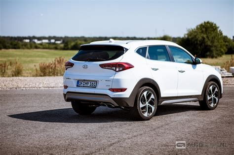 nouvelle hyundai tucson 2015 2016 hyundai tucson reviews pictures and hyundai tucson rijtest en video autoblog nl