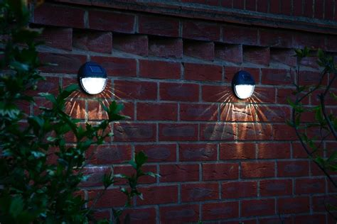 wireless solar fence lights 4 pack auraglow led lighting