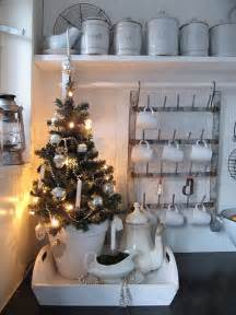 kitchen tree ideas 40 cozy kitchen d 233 cor ideas digsdigs