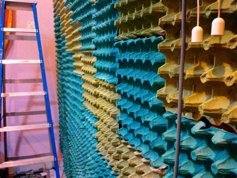 cakes me wall 3 egg cartons