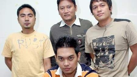 download mp3 ada band album romantic rhapsody lirik lagu ada band surga cinta lirik lagu dunia
