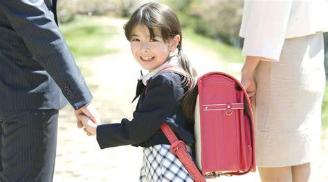 imagenes niños yendo al colegio 191 c 243 mo afrontar el primer d 237 a de clases de nuestro hijo