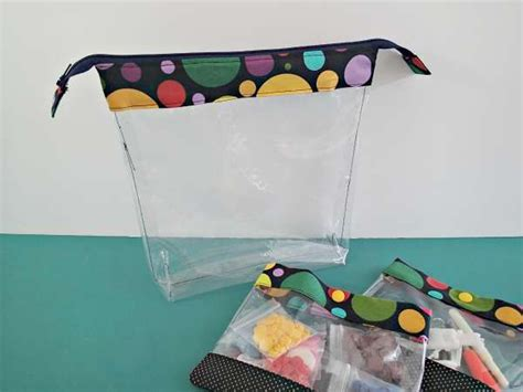 vinyl pouch pattern 1000 images about quilting on pinterest picket fences