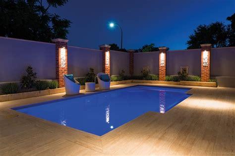 piscina esterna da giardino piscina esterna dal design moderno per una vera oasi