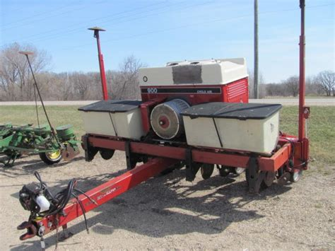 Roers Equipment Inc 4 Row Corn Planter