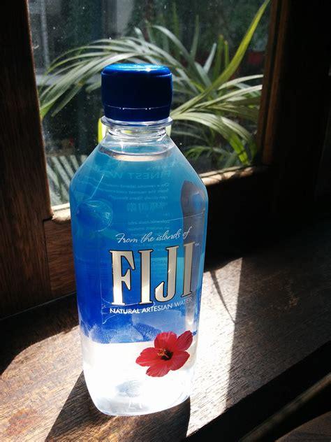 filefiji water bottlejpg wikimedia commons