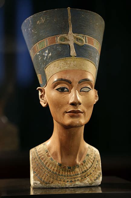 imagenes egipcias nefertiti a history of eyebrows see how they transformed over the