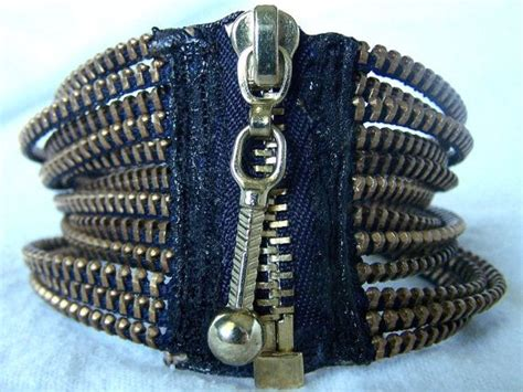 I Found A Zipper Necklace For by 335 Best Zipper Crafts Images On Zippers