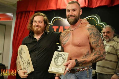 tattoo convention genova biomeccanico su braccio 2 176 premio tattoo convention