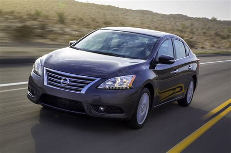 2013 Nissan Sentra 2013 Nissan Sentra Debuts With 40 Mpg And Crosshairs On