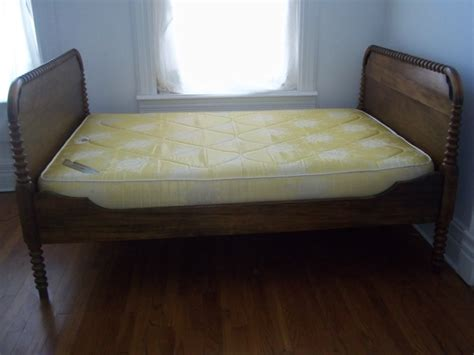 3 4 bed mattress antique oak 3 4 bed frame w vintage mattress box spring