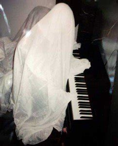 tutorial piano ghost 10 minute ghostly quot bodies quot to haunt your house halloween