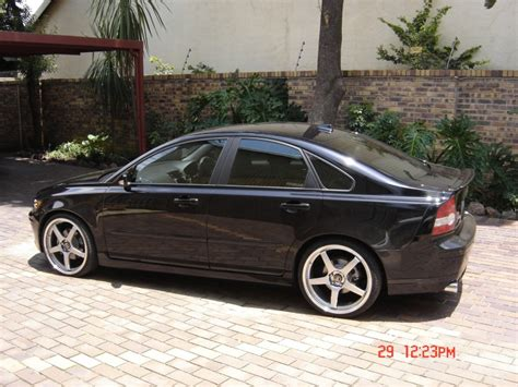 volvo s40 sport review elevate volvo s40 awd performance sport lowering springs