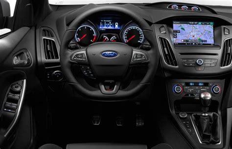 novo ford focus st  apresentado oficialmente auto esporte noticias