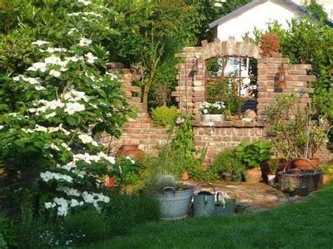 Garten Mediterran Gestalten Bilder by Gartenmauer Mediterran Gestalten Loveer Garten