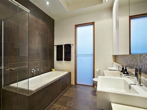 Charmant Carrelage Marbre Salle De Bain #1: idée-carrelage-salle-de-bain-faire-à-soi-même-professionnel-grand-carrelage1.jpg