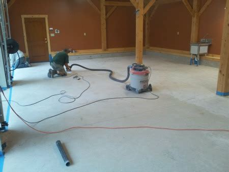 cleaning garage floors to prepare for a garage floor coating