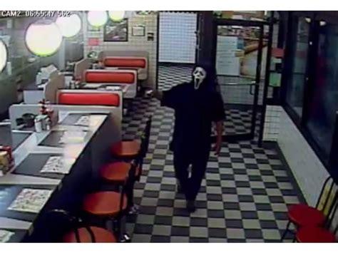 waffle house monroe ga gunman wearing scream mask robs ga waffle house loganville ga patch