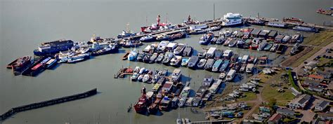 hoo marina boats for sale want to live afloat
