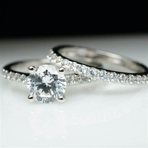 solitaire dimond engagement ring matching wedding band