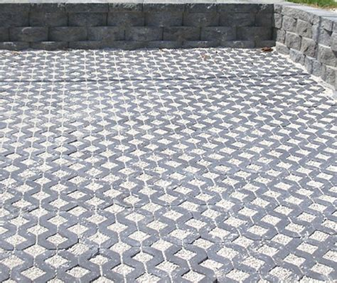 Permeable Patio Pavers by 25 Best Ideas About Paver Installation On