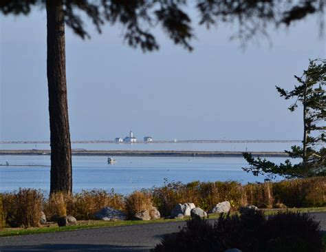 the view from rainshadow bay a lavender tides novel books the sunset bay cottage juan de fuca cottages
