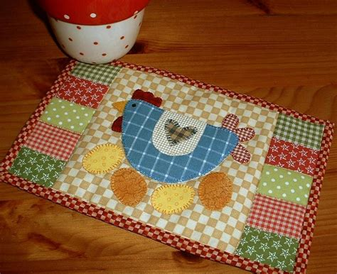 mug rug pattern by silver quilting chicken mug rug by the patchsmith craftsy