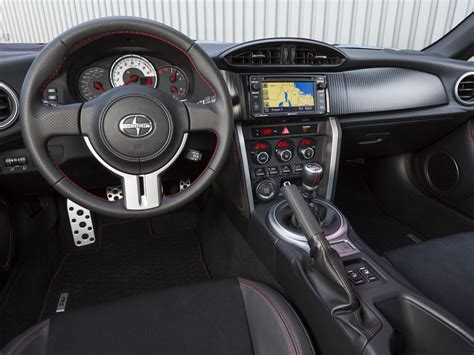 frs interior scion iq black wallpaper 1024x768 39792