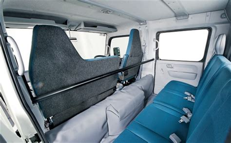 mitsubishi fuso 4x4 crew cab mitsubishi fuso canter fg 4wd truck review