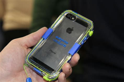 griffin survivor iphone 5 waterproof case griffin survivor catalyst waterproof case for iphone 5