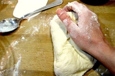 dosi per pizza fatta in casa pizza fatta in casa impasto in 6 mosse dissapore